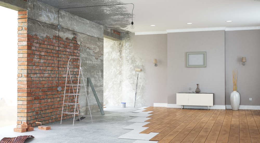 What is the difference between remodelling and renovating